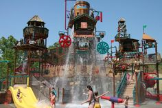Dollywood's Splash Country, Tennessee Ranked one of America's Top 10 Water Parks by TripAdvisor, Dollywood's Splash Country features 35 acres of slides, pools, raft and tube rides, plus beautiful Smoky Mountain scenery. Families will enjoy The Cascades lagoon-style pool with more than 25 interactive elements including a geyser.
