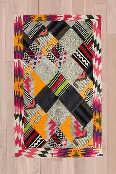 Pink/yellow/B&W Patchwork Kilm 4x6 Rug