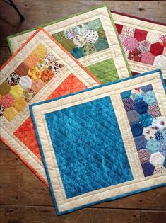 29 Ideas For Kitchen Table Runner Mug Rugs Small Quilt Projects, Quilting Projects, Quilting Designs, Sewing Projects, Table Runner And Placemats, Quilted Table Runners, Quilt Placemats, Patchwork Table Runner, Small Quilts