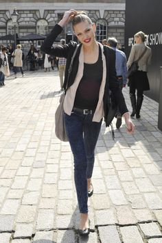 French fashion trend style tips; what celebrity models wear in the street, Boho Chic with skinny jeans and flats