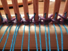 Knitting Patterns Sack Sack o Dreams: Working with a peg loom Loom Yarn, Peg Loom, Loom Weaving, Tapestry Weaving, Yarn Needle, Loom Knitting, Hand Weaving, Loop De Loom, Loom Patterns