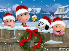 Christmas Images, Christmas And New Year, Christmas Ornaments, Christmas Stuff, Advent, Snoopy Christmas, Gif Animé, Charlie Brown, Winter