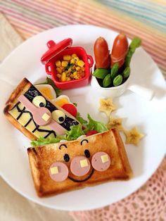 食パンで*ピタパン風アンパンマンとバイキンマンのお子さまプレート☆