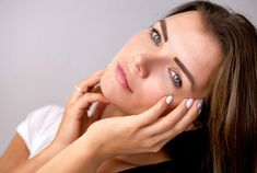 Skin problems such as acne and pimples are frequently seen especially in oily skin. Acne problem, which is more common in women than in men, is one of the most common skin problems experienced by adolescents. Skin Care Products, Skin Care Tips, Best Makeup Products, Natural Products, Beauty Products, Molluscum Pendulum, Oily Skin, Sensitive Skin, Oily Face