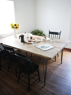 DIY Reclaimed Wood Table @themerrythought