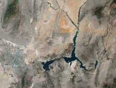 Lake Mead, Nevada, on May 15, 1984 and May 23, 2016.