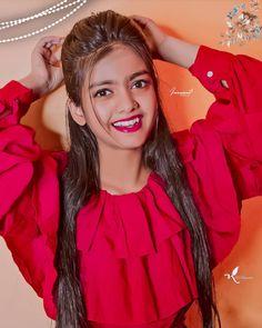 Indian Bride Photography Poses, Indian Bride Poses, Fashion Photography Poses, Cute Girl Face, Cute Girl Photo, Teen Celebrities, Normal Girl, Beautiful Blonde Girl, Cute Girl Poses