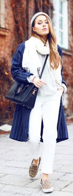 Pinstriped Outfit: Angelica Blick is wearing a pinstripe coat from Baum & Pferdgarten