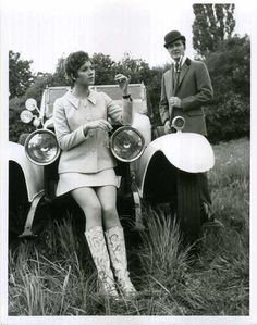 Patrick Macnee and Linda Thorson in 'The Avengers'. VERY cool in the 60's
