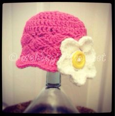 Hey, I found this really awesome Etsy listing at https://www.etsy.com/listing/104637292/pretty-little-shell-flower-beanie-flower