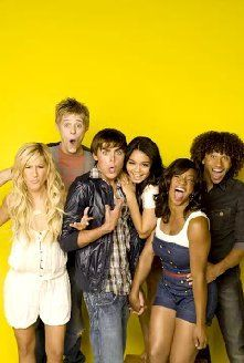 Photo of HSM Cast for fans of High School Musical 2186003 Wildcats High School Musical, High School Musical Cast, Ashley Tisdale, Zac Efron, Monique Coleman, Hig School, Disney Channel Movies, Emperors New Groove, Geek Girls