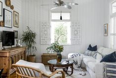 Breathing life into a charming Federation Queenslander - Cedar & Suede Queenslander House, Timber Dining Table, Dining Tables, Australian Homes, Australian Home Decor, Australian Beach, Interiors Online, Piece A Vivre, The Design Files