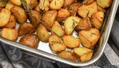 Volg de kruimels – Hasselback potatoes – Volg de kruimels - New Site Hasselback Potatoes, Potato Recipes, Broccoli, Risotto, Food And Drink, Cooking Recipes, Vegetables, Chef Recipes, Vegetable Recipes