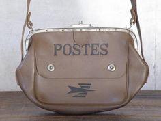 W370 D50 H2701970年代、フランスの古い郵便局員用バッグです。1970年代のフランス郵便局員の配達用バッグ、バッグ内の刻印から1970年代、その当時の