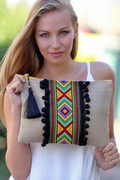 Kadın Etnik Şeritli Dev Siyah Ponponlu Clutch