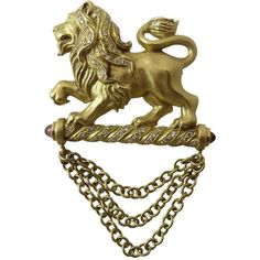 Preowned Seidengang Diamond Gold Lion Pin ($4,500) ❤ liked on Polyvore featuring jewelry, brooches, multiple, gold chain jewelry, gold brooch, gold lion jewelry, cabochon jewelry and diamond jewellery
