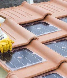 Dakpannen met solar, handig voor op een schuurtje.