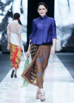 batik, by bin house