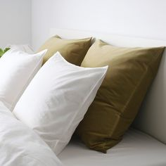 SANELA light olive-green, Cushion cover, Length: 65 cm - IKEA Cushion Pads, Cushion Covers, Throw Pillow Covers, Green Velvet Pillow, Velvet Cushions, Olive Green Bedrooms, Vert Olive, Reading In Bed, Curtains