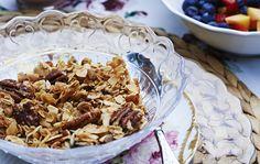 Beginne den Tag mit leckerem, selbst gemachtem Crunchy-Müsli