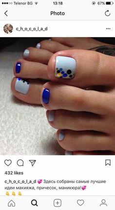 Make an original manicure for Valentine's Day - My Nails Pedicure Colors, Pedicure Nail Art, Toe Nail Art, Nail Manicure, Nail Polish, Pedicure Ideas, Summer Pedicure Designs, Pretty Toe Nails, Cute Toe Nails