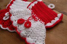 Vintage Crocheted Potholders  Dresses  Crisp by theprimitivehome, $15.00