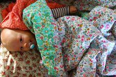 novamelina Liberty Kids, Liberty Print, Kid Photography, Liberty Of London, Baby Bedding, Baby Car Seats, Craft Ideas, Couture, Sewing