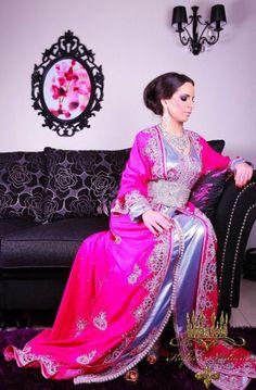 Lovely dark pink and blue silver laftan Kaftan, Caftan Dress, Muslim Evening Dresses, Muslim Dress, Moroccan Caftan, Moroccan Style, Moroccan Fashion, Muslim Women Fashion, Islamic Fashion