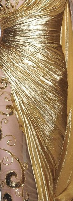 Gold Fashion, Fashion Details, Gold Color Dresses, Pink And Gold, Black Gold, Masquerade Wedding, Golden Goddess, Black Tie Affair, Shades Of Gold