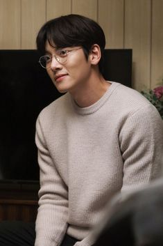 Ji Chang Wook Smile, Ji Chang Wook Healer, Ji Chan Wook, Korean Celebrities, Celebs, Suspicious Partner Kdrama, Ji Chang Wook Photoshoot, O Drama, Handsome Korean Actors