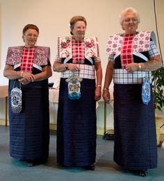 Utrecht, Dutch People, Folk Clothing, Folk Costume, Fashion History, Traditional Dresses, Kids Wear, Netherlands, Sequin Skirt