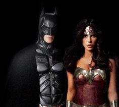 What it would of looked like if Christian Bale and Kate Beckinsale starred in a Batman meets Wonder Woman movie together as Batman and Wonder Woman. Batman Wonder Woman, Wonder Woman Movie, Christian Bale, Kate Beckinsale, Photo Manipulation, Celebs, Female Celebrities, Dc Comics, Comic Books