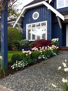 Terrific Navy Blue Home Exterior Paint Color. The post Navy Blue Home Exterior Paint Color. Exterior Paint Colors For House, Paint Colors For Home, Exterior Colors, Exterior Design, Dark Blue Houses, Pintura Exterior, Cottage Exterior, Navy House Exterior, Garden Planning