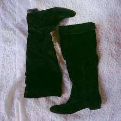 Banana Republic Black Suede Boots Black suede boots from Banana Republic. A tight 6. Slouchy on the top! Stylish and chic. Only worn onc but the suede has slight scuffing. Banana Republic Shoes