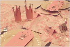 bordkort krone - Google-søk Doll Party, Diy Invitations, Princess Birthday, Quinceanera, Christening, Diy And Crafts, Birthday Parties, Gift Wrapping, Creative