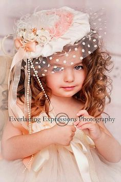 """The Talk Of The Town""... Vintage Wedding Veil Hat"