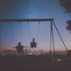 Aesthetic photography friends grunge 66 ideas for 2019 Night Aesthetic, Couple Aesthetic, Summer Aesthetic, Aesthetic Photo, Aesthetic Pictures, Music Aesthetic, Retro Aesthetic, Aesthetic Grunge Tumblr, Photo Wall Collage
