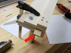 Besides the blade, the most important part on a table saw is the fence. If yours is beat up or you just want a new one, here's how you can build your own. Diy Table Saw Fence, Make A Table, Diy Fence, Wooden Fence, Woodworking Jig Plans, Woodworking Projects Diy, Cabinet Table Saw, Jobsite Table Saw, Homemade Tables