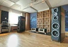 Peak Consult Dragon Speakers driven by Accuphase A70 amplifiers