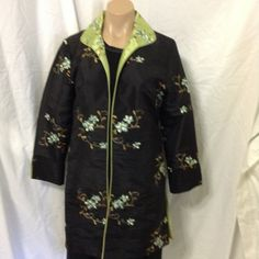 Diva house corp floral jacket long blazer 2 looks Diva house corp long blazer jacket, NWT $ 160.00, floral, embroidered, size medium, one side is black with flowers and the other side is green with flowers, blazer wears open, measurments: bust 38, length 30 Diva house corp Jackets & Coats Blazers