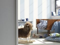 Hvordan pusse opp spisebordet? - Fornyelse av gamle møbler - ifi.no Curtains, Home Decor, Blinds, Interior Design, Draping, Home Interior Design, Window Scarf, Home Decoration, Decoration Home