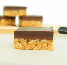peanut butter crispy bars with dark chocolate & Nutella