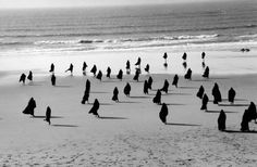 Exposition  de Shirin Neshat à PhotoEspaña, sur la condition des femmes musulmanes.