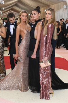 Stella Maxwell, Taylor Hill & Maryna Linchuk in Topshop - Met Gala 2016