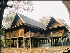 Thai Architecture สถาปัตยกรรมของประเทศไทย: Traditional Thai Houses in Chiang Mai