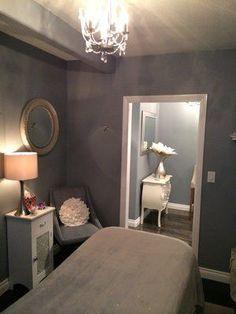Spa Kingston . 2230 5th Avenue . San Diego, CA 92101 . 858 888 0655 || day spa || massage therapy room || esthetician room || aesthetician room || esthetics || skin care || body waxing || hair removal || body scrub || body treatment room #MassageRoom #aestheticianesthetician