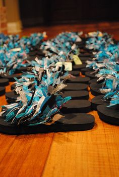cute flip flops made something similar last at last summers camp...I'd love to do it again...
