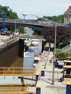 Boats passing in Erie Canal