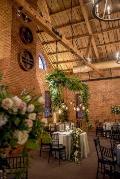 47 Exclusive Ideas for Winter Wedding Decoration - VIs-Wed Tulip Wedding, Botanical Wedding, Wedding Flowers, Pizza Wedding, Hotel Wedding, Outdoor Pavillion, Winter Wedding Decorations, Rustic Theme, Indoor Wedding