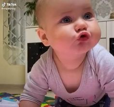 Cute Funny Baby Videos, Funny Baby Quotes, Cute Funny Babies, Funny Videos For Kids, Funny Kids, Cute Babies Pics, Cute Baby Girl Pictures, Cute Baby Boy, Cute Little Baby